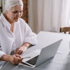 boomers shopping online